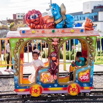 mostaland Circus train